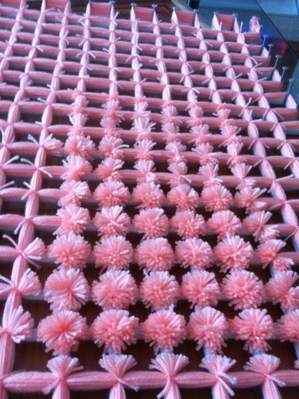 7 s per ideas para hacer pompones de lana para decorar - Hacer una manta de ganchillo ...