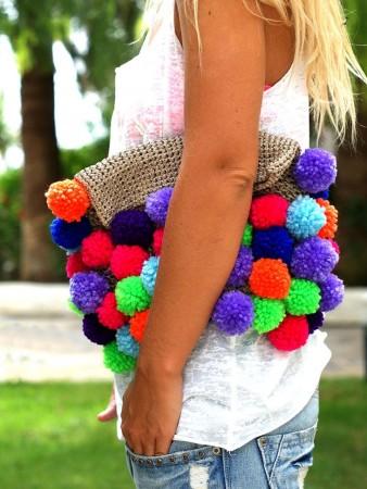 hacer bolsos con pompones