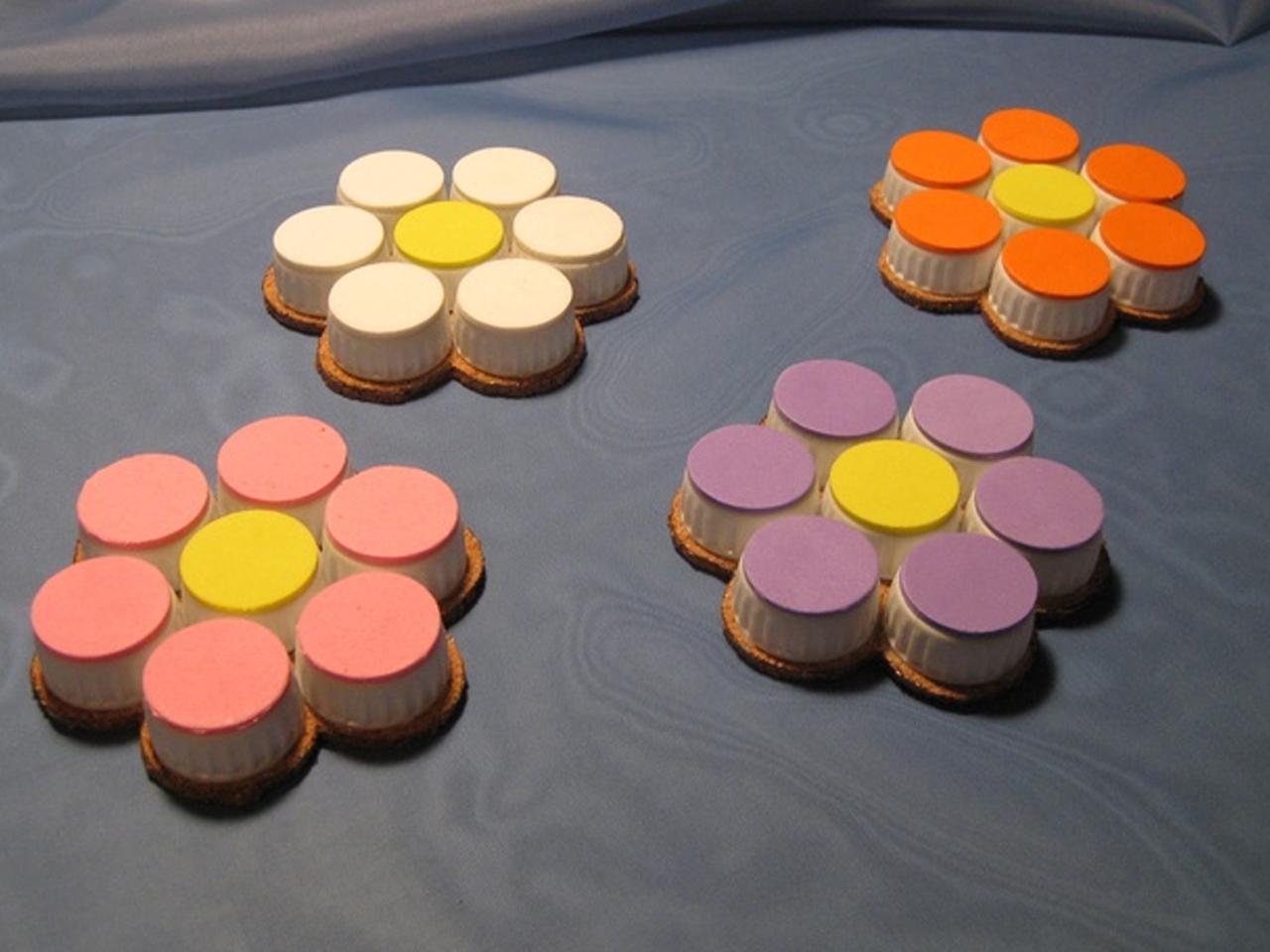 12 ideas para la decoraci n con tapones de pl stico - Como hacer tapas faciles ...