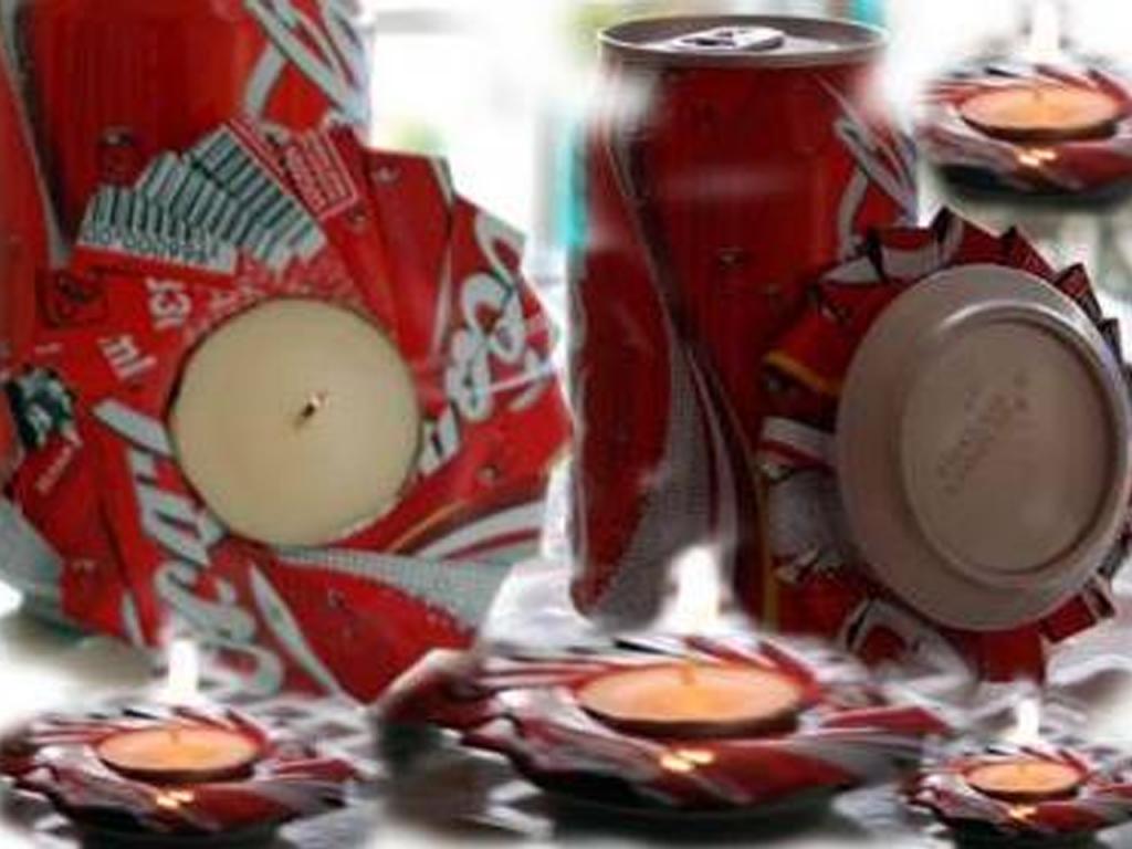 manualidades con latas de Coca-Cola portavelas