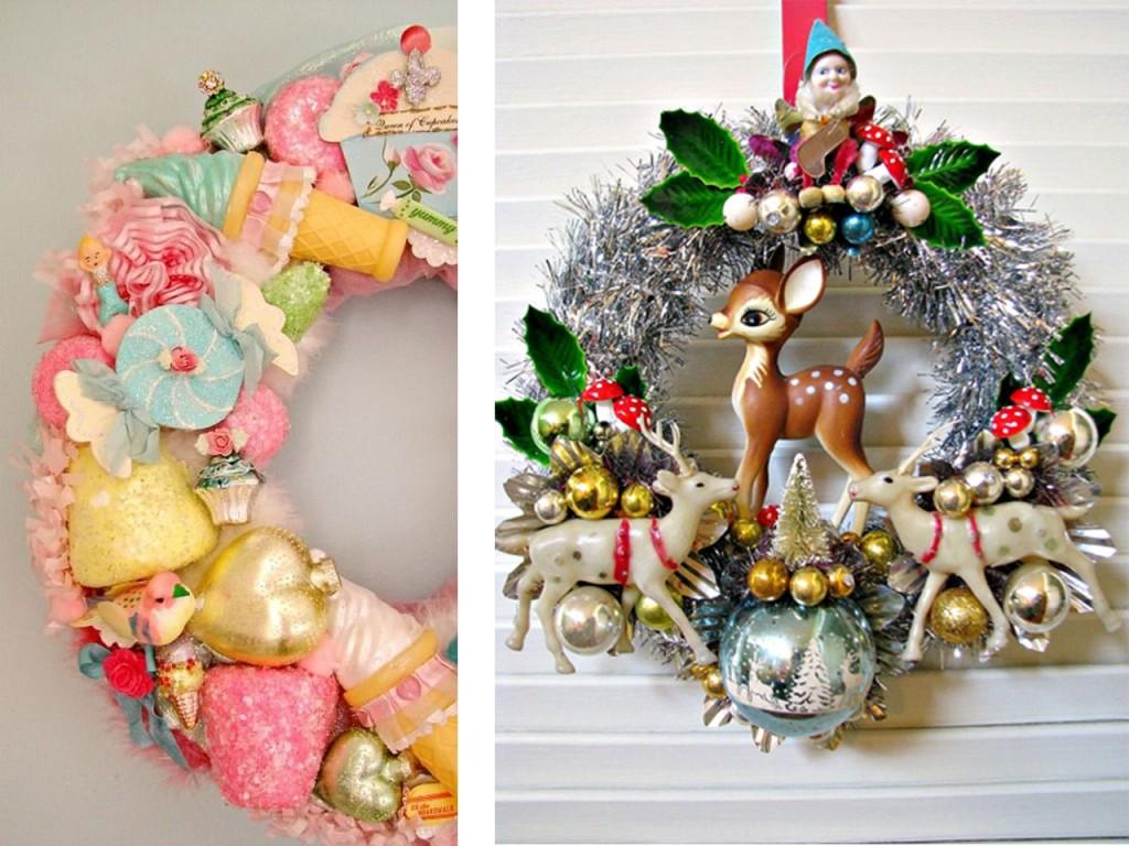 Corona de Navidad con dulces vista en Kitsch y living y corona de navidad con muñecos vista en Etsy.