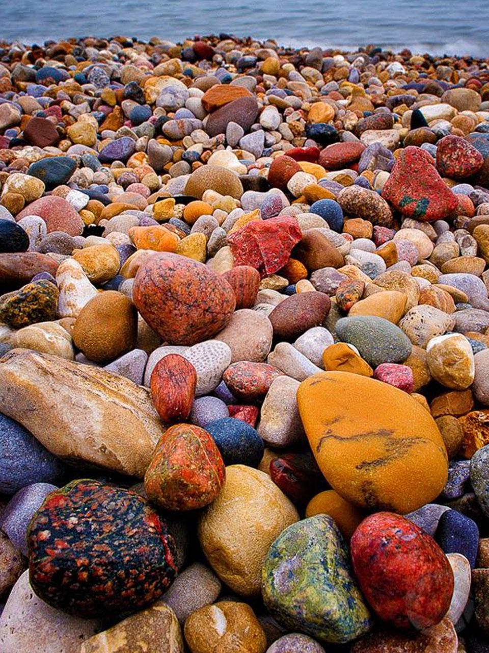 manualidades con piedras de playa