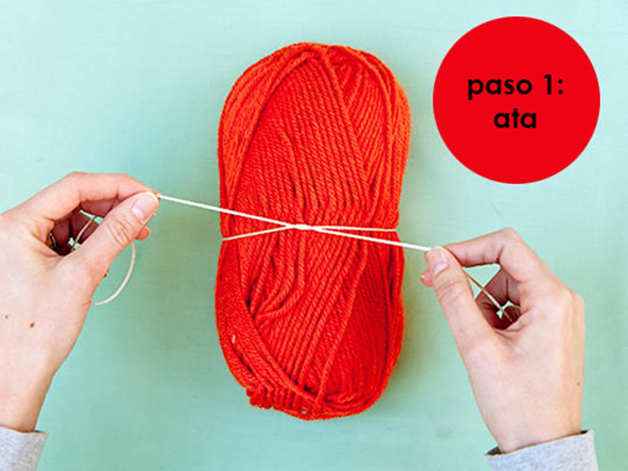 a688354b52e6 7 súper ideas para hacer pompones de lana para decorar