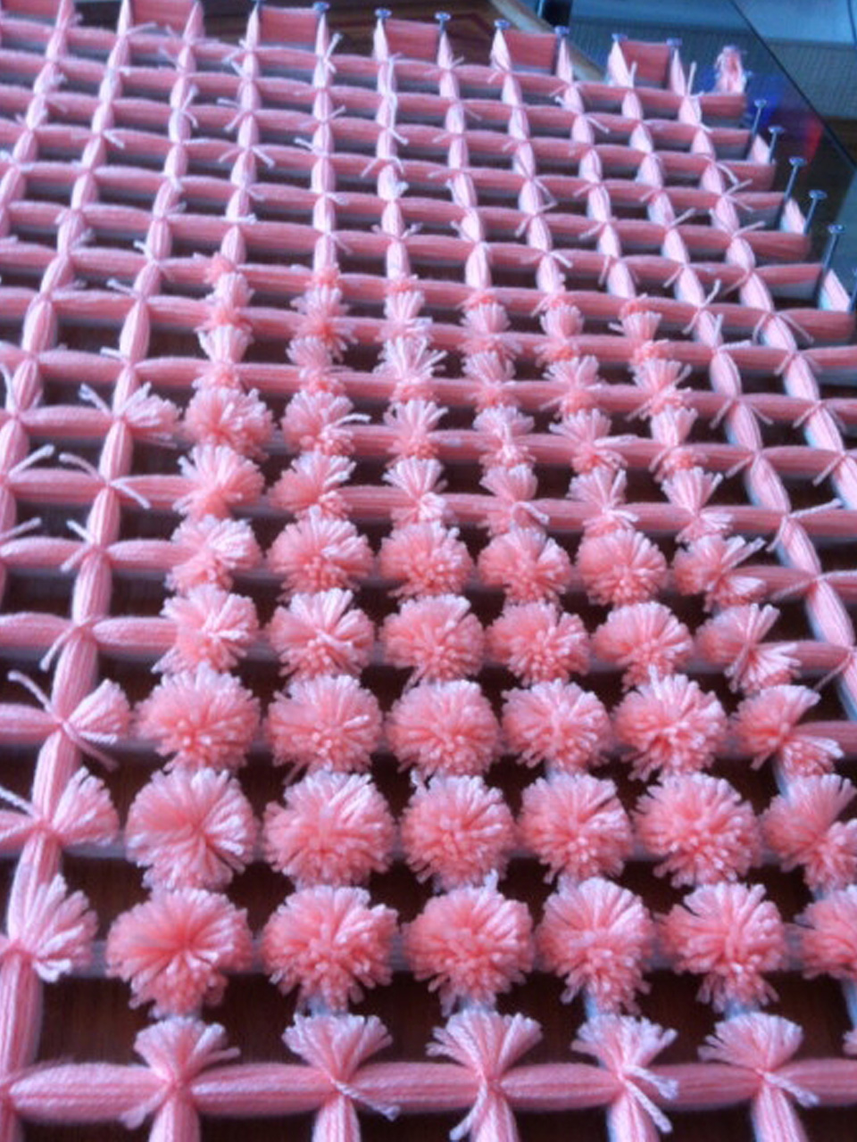 7 s per ideas para hacer pompones de lana para decorar - Manualidades en lana ...