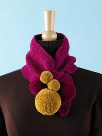 pompones en bufandas