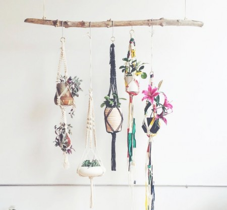 macramé para la decoración con plantas colgantes